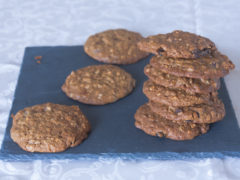 Biscotti mandorle, uvetta e fiocchi d'avena